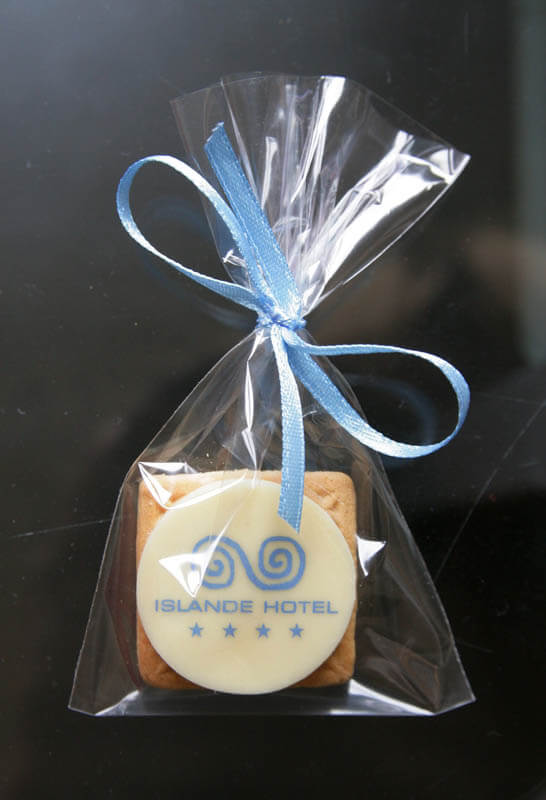 Small Gifts - Coffee Biscuit with Chocolate in a Polybag with ribbon, 5g